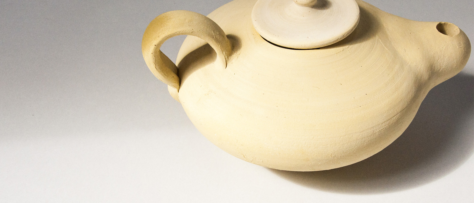 andpause teapot set banner